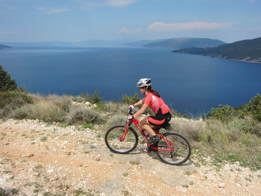 Cycling on Cres Island