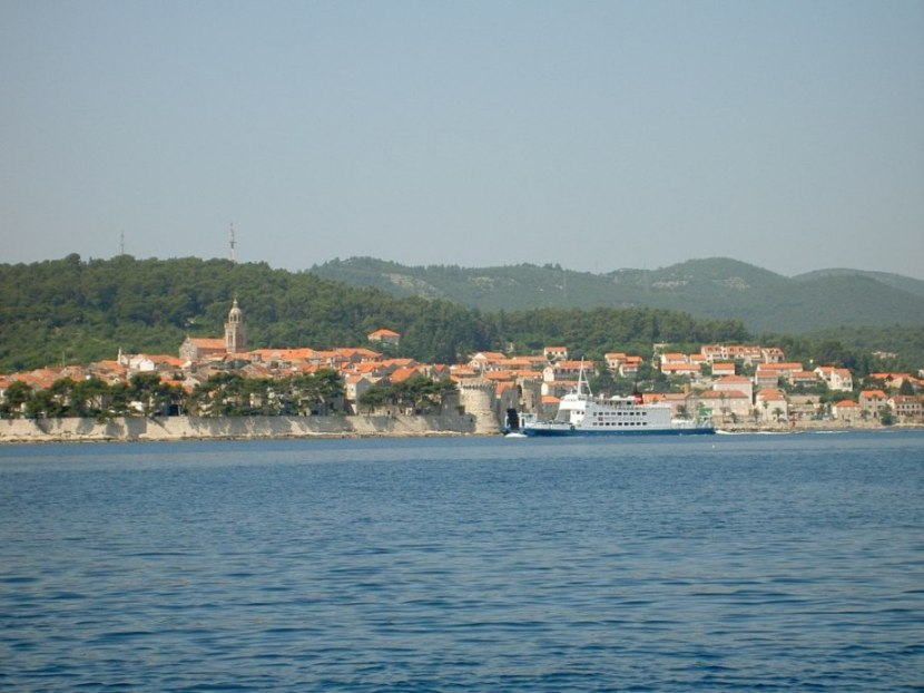 how to get from korcula to dubrovnik